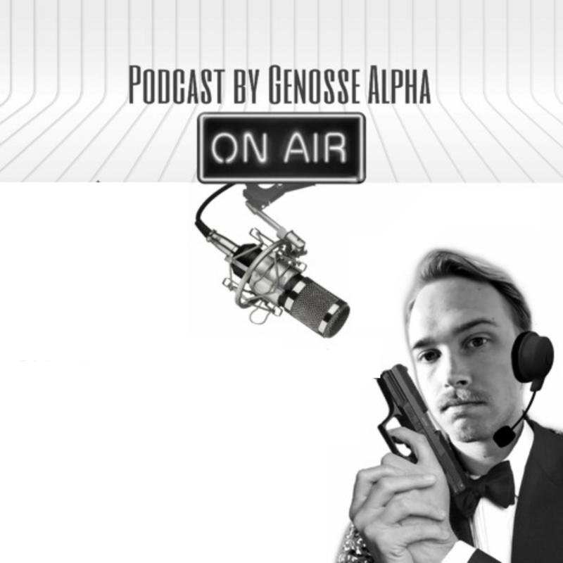 Pildil podcasti saatejuht mikrofoniga ja podcasti nimi.